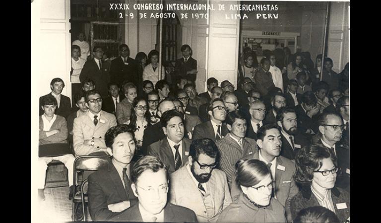 Publico asistente al XXXIX Congreso Internacional de Americanistas que fue organizado por el IEP. Agosto, 1970.