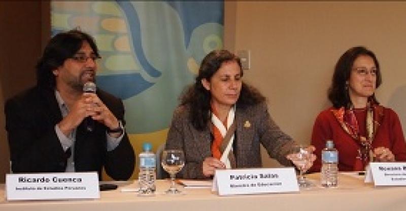 Ministra de Educación inaugura Seminario del Instituto de Estudios Peruanos