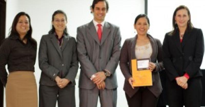"""El IEP presentó el estudio """"Mapeo de proyectos privados de alivio y superación de la pobreza"""""""