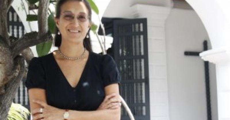 Roxana Barrantes Cáceres es reelegida como Directora General del IEP
