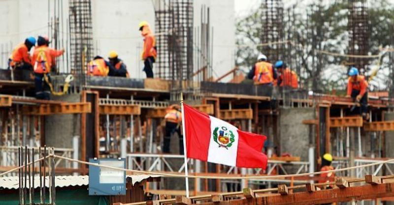 """Convocatoria de artículos para la revista Argumentos: """"Retos y perspectivas económicas del Perú"""""""
