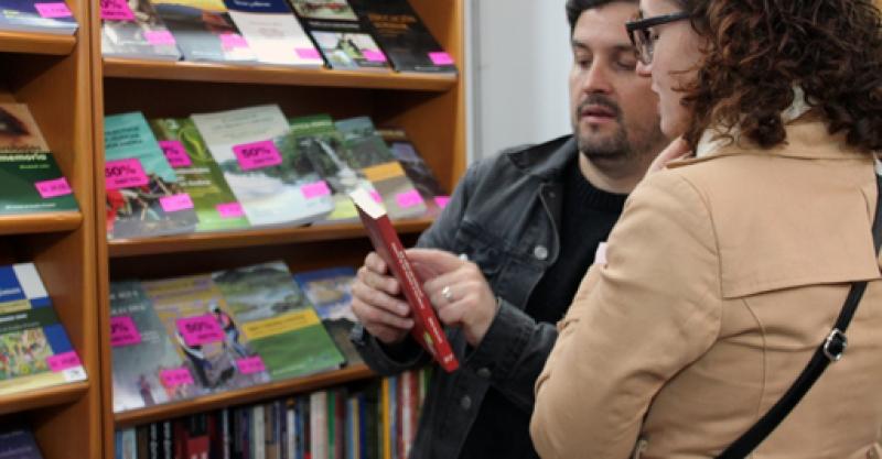 Arequipa: Encuentra los libros del IEP en la Feria Municipal del Libro
