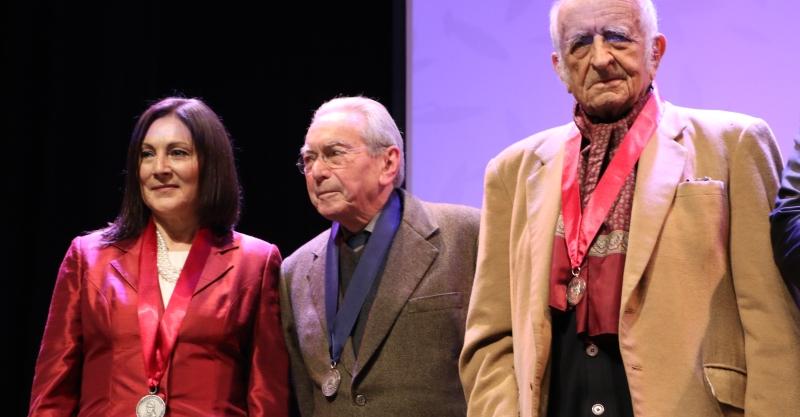 Biblioteca Nacional del Perú distingue a Julio Cotler con la medalla Jorge Basadre