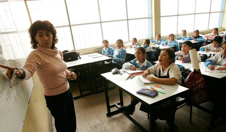 Arequipa: Presentan resultados de estudio sobre ciudadanía y democracia en la escuela peruana
