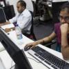 Día de la Mujer: Participación laboral femenina crece, no cierra brecha salarial