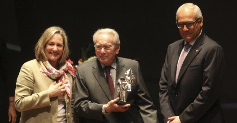 [ANIVERSARIO]  Julio Cotler: premios y reconocimientos a su trayectoria